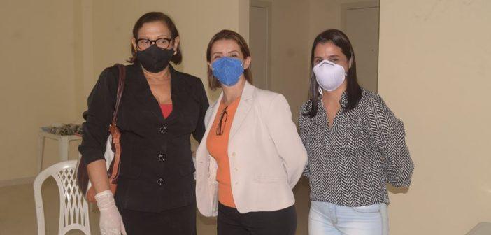 Vereadores vão ao Hospital Regional fiscalizar funcionamento da instituição no combate ao Coronavírus